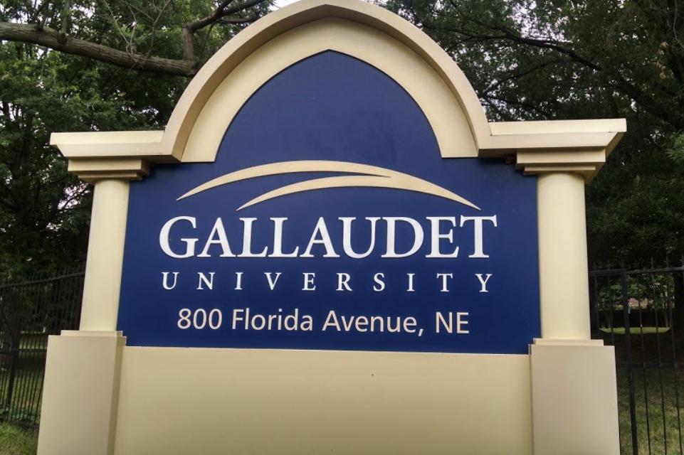 Ten Kappa Gamma Brothers Sue Gallaudet and Washington Post